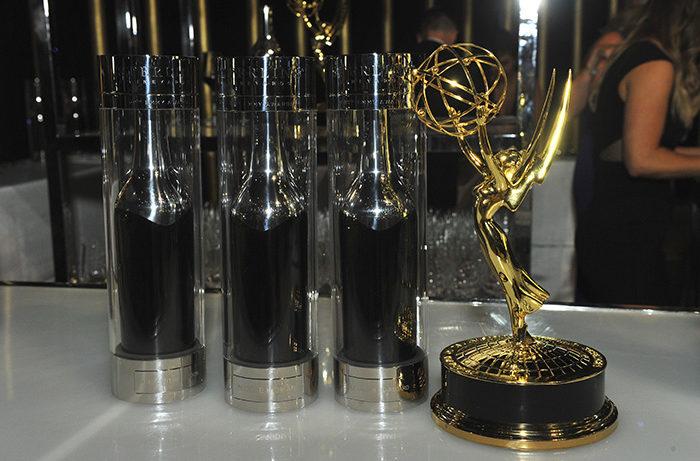 Rượu vang, thức ăn và ngôi sao Hollywood tại lễ trao giải Emmy Awards 2017